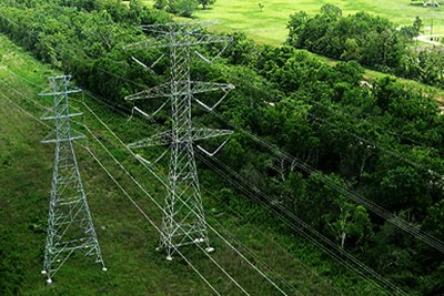 inspection of hydro transmission lines using drone